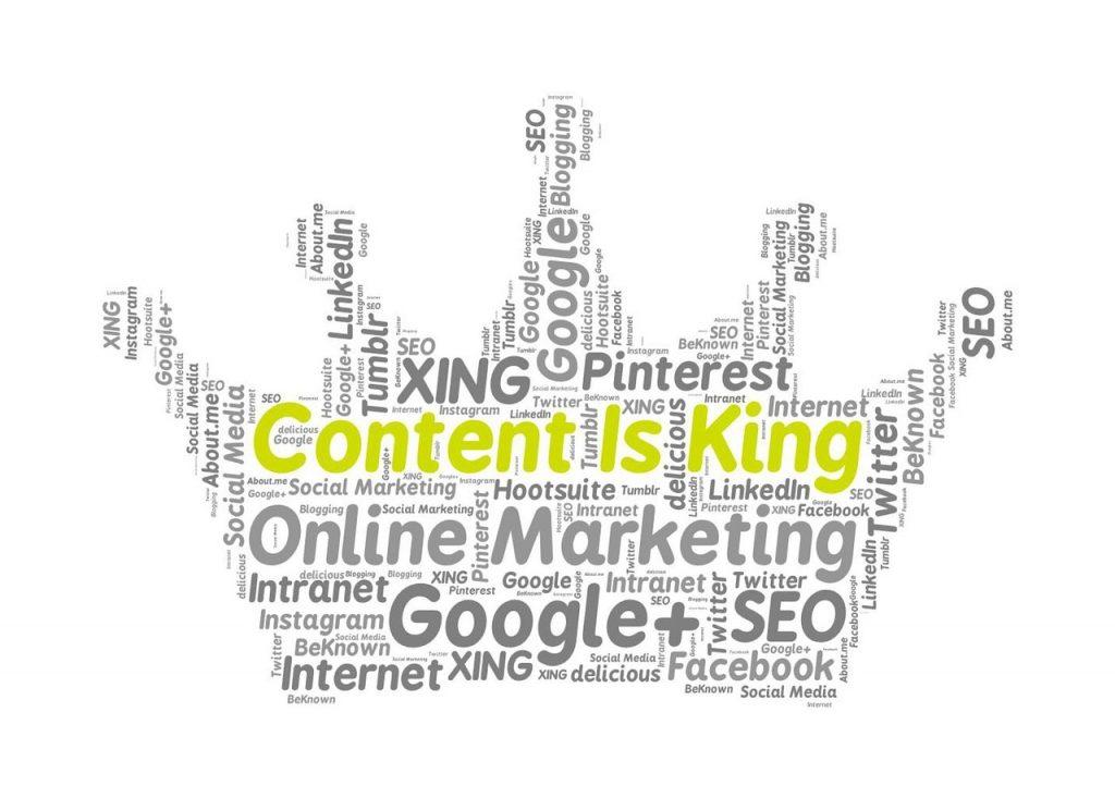 """Nuage de mots dans le domaine du multimédia et en forme de couronne. Au centre l'expression principale est 3content is king""""."""